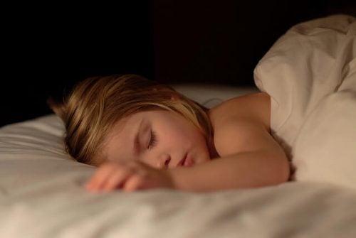 매일 밤 이불에 오줌을 싸는 아이에 대한 대책 9가지
