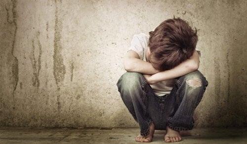 정서적 방임은 아이를 자기주장 못하는 어른으로 만든다