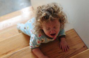 아이의 짜증에 대처하는 방법: 차분함이 핵심
