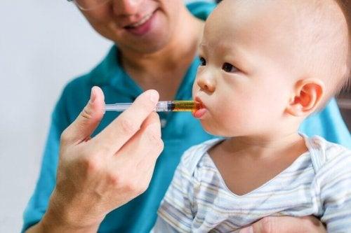 아이의 구내염을 치료하는 방법