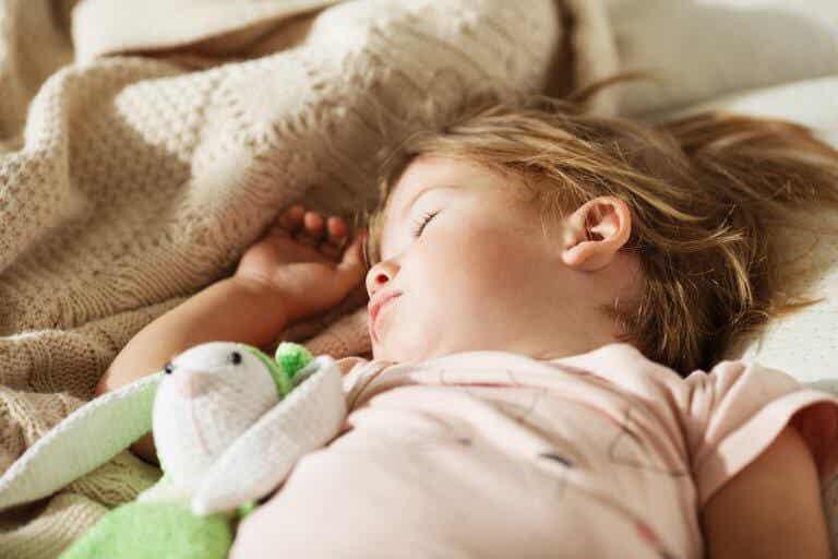 아이를 혼자 침대에 재우기 위한 3단계