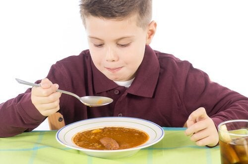 균형 잡힌 식단아이의 면역체계를 강화하는 식품