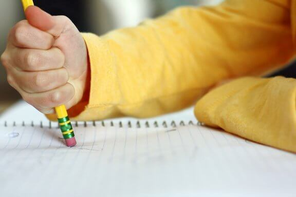 맞춤법을 자주 틀리는 아이에게 도움이 되는 방법