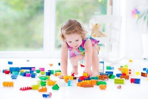 다양한 능력 발달을 돕는 만 2세 장난감