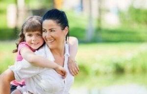 낙관적인 아이로 기르기 위한 10가지 효과적인 기술