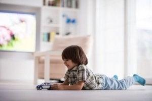 어떻게 아이들이 스스로 노는 법을 배우도록 할 수 있을까?