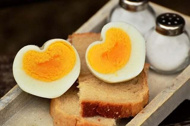 아이 식단에 달걀을 사용해도 되는 시기