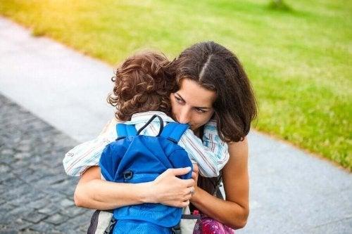 과잉보호하는 양육 방식의 9가지 위험성