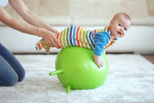 아기를 위한 운동 및 공원 활동