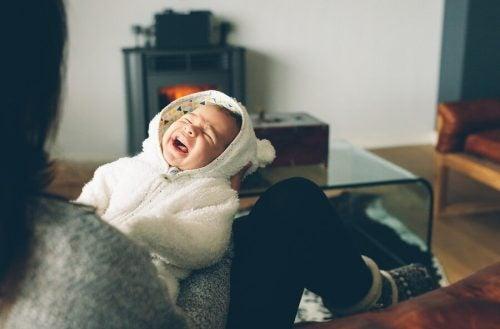 아기가 밤마다 운다면 어떻게 해야 할까?