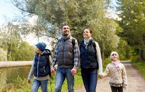 가족이 함께 산책하면 좋은 점