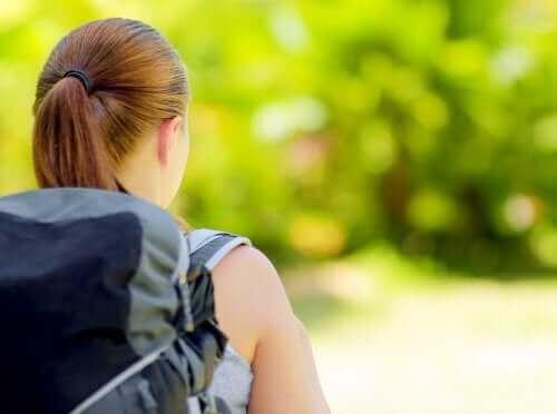 캠핑 가는 아이의 배낭에 꼭 챙겨야 할 물건