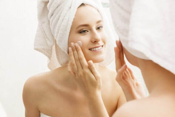 촉촉하고 완벽한 피부를 유지하는 방법 6가지