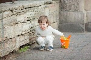 아이가 소리를 지르는 이유 및 대처 방법