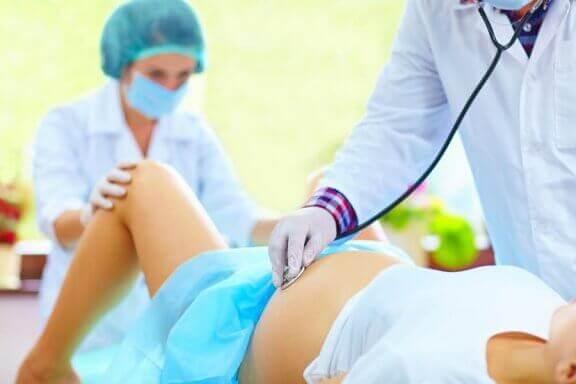 출산 중 외음 절개술을 피할 수 있을까?