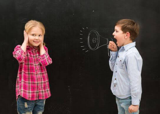 언제나 소리를 지르는 아이를 어떻게 해야 할까?