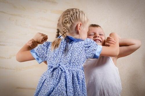 날마다 싸우는 아이들에 대한 대처 방법