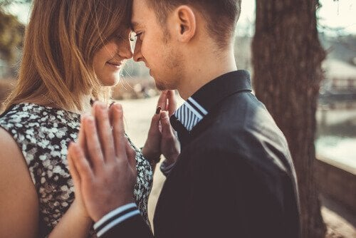 관계에서 헌신의 개념과 중요성