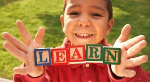이중 언어 아동에게 OPOL 접근법을 적용하는 방법