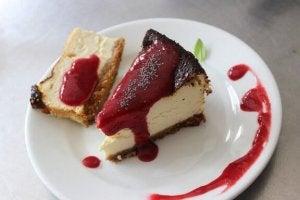 2. 굽지 않는 딸기 치즈 케이크