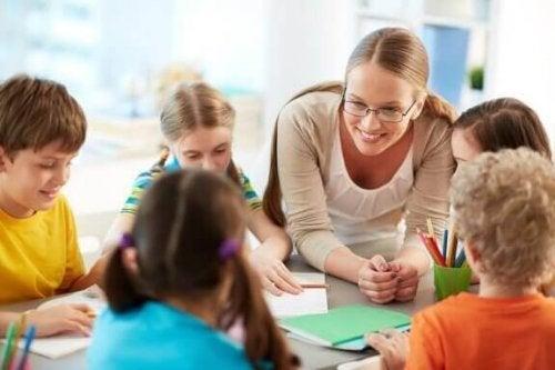 선생님을 존경하는 아이로 키우기