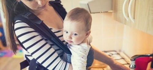 아기띠를 안전하게 사용하기 위한 권장 사항