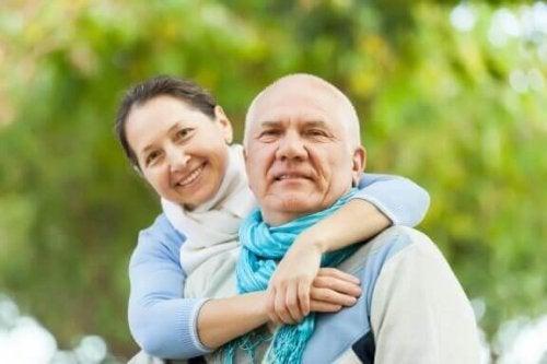 부부가 결혼 생활에서 느끼는 친밀감