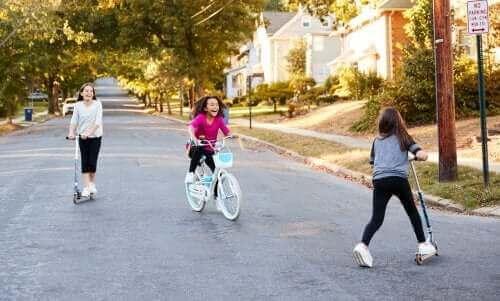 아동기 사회화의 특징 및 발달 과정