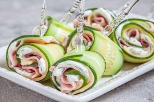 건강한 식단으로 생일 파티를 여는 방법