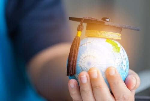 교육 과정 개발에 관한 스텐하우스 모형