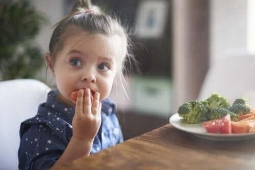 아이가 잘 먹도록 만드는 심리적인 방법