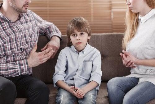 지나치게 비판적인 부모 아래서 자란 자녀의 발달 문제