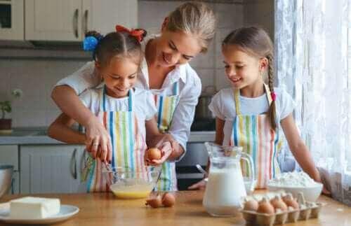 아이들이 식사 준비에 참여하고 새로운 요리법을 발견하게 하자