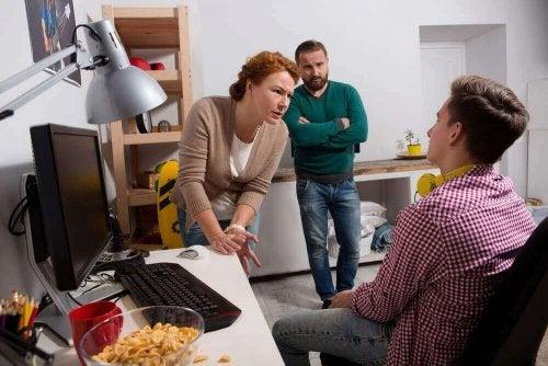 격리 중 청소년과의 갈등에 대처하는 방법