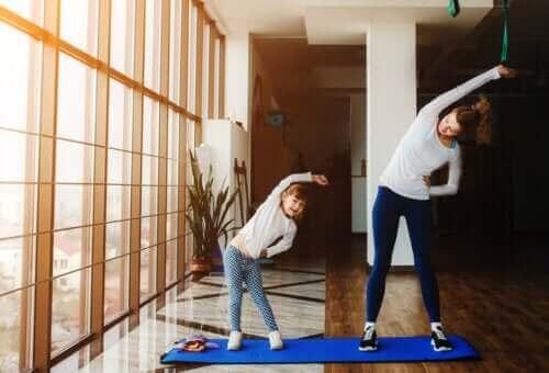2. 자녀가 격리 기간을 잘 넘기도록 돕는 균형 잡힌 일과를 유지하자