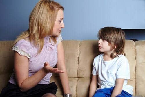 """""""안돼""""라고 말하지 않고 자녀를 교육하는 게 중요한 이유"""