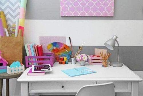 아이의 공부 책상을 꾸미는 방법