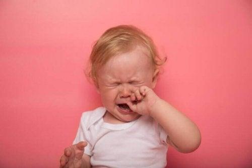 아기의 이앓이 증상
