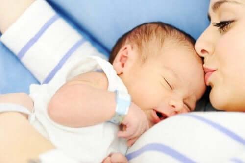 아기와 산모의 만남