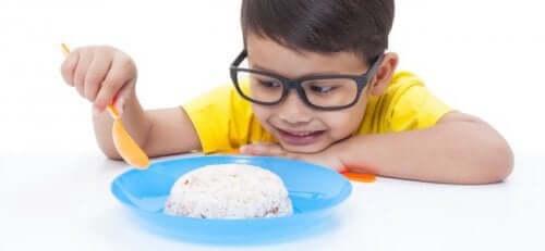 아이의 복통을 완화시키는 데 좋은 음식