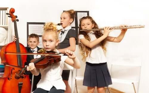 어린이는 왜 클래식 음악을 들어야 할까?