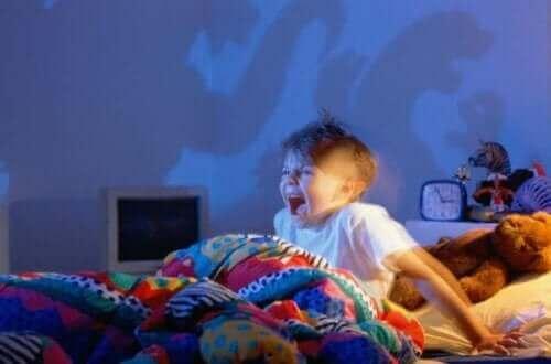 아이가 악몽을 꾸지 않도록 하는 5가지 팁