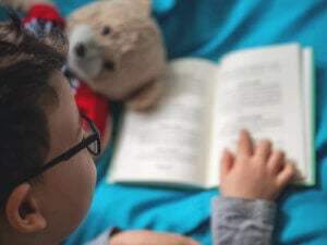 집에서 독서를 장려하는 4가지 방법