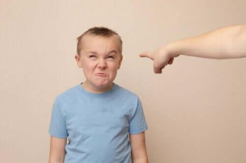 다른 사람을 해치지 않고 분노를 표현하도록 가르치자