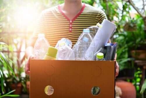 환경 보호를 돕는 플라스틱병으로 만들기 놀이