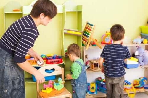 아이에게 조직화를 가르치기 위한 8가지 팁