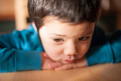 어린이의 낮은 자존감을 나타내는 경고 신호