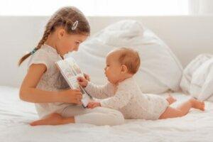 아기의 청력을 자극하는 방법
