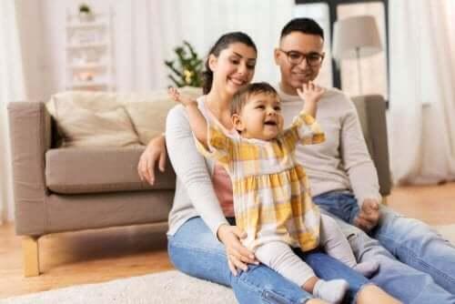 아기와 다른 집을 방문할 때 스트레스를 피하는 방법