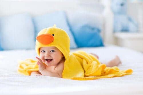 목욕 시간을 더 쉽게 만드는 아기 목욕용품